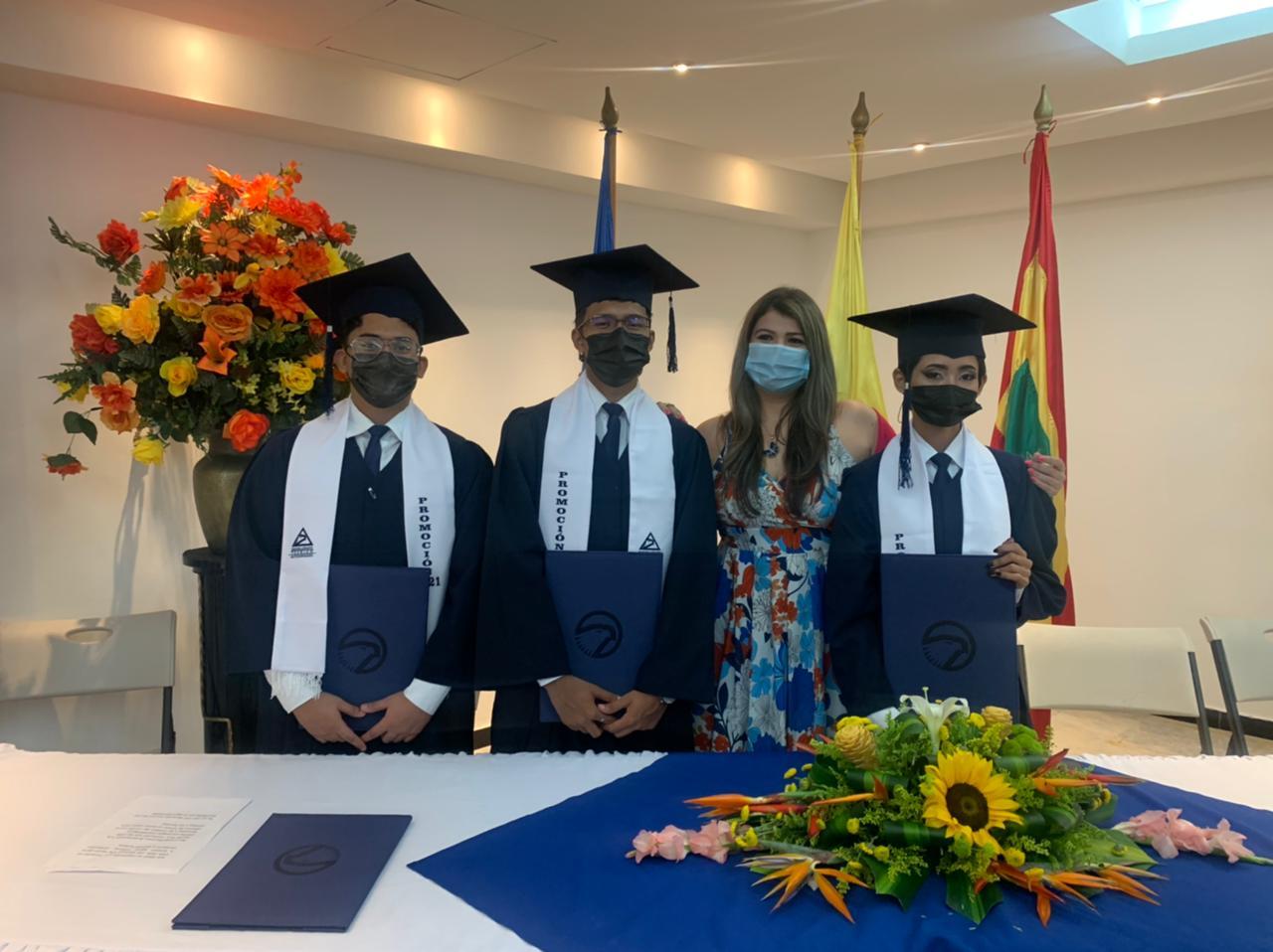 ¡Graduamos a nuestros bachilleres!